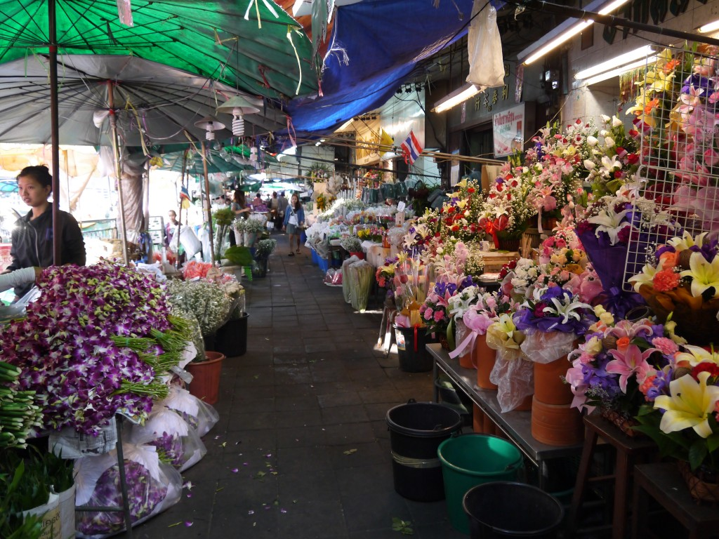 Pak Khlong Flower Market in Bangkok's Chinatown