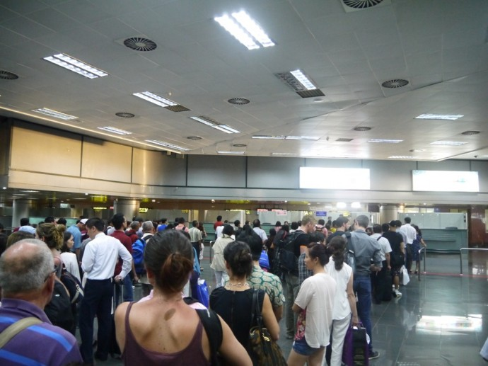 Hanoi Immigration Queues
