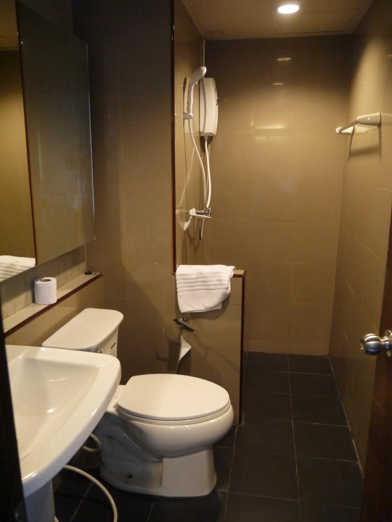 Bathroom at B2 Hotel, Chiang Rai