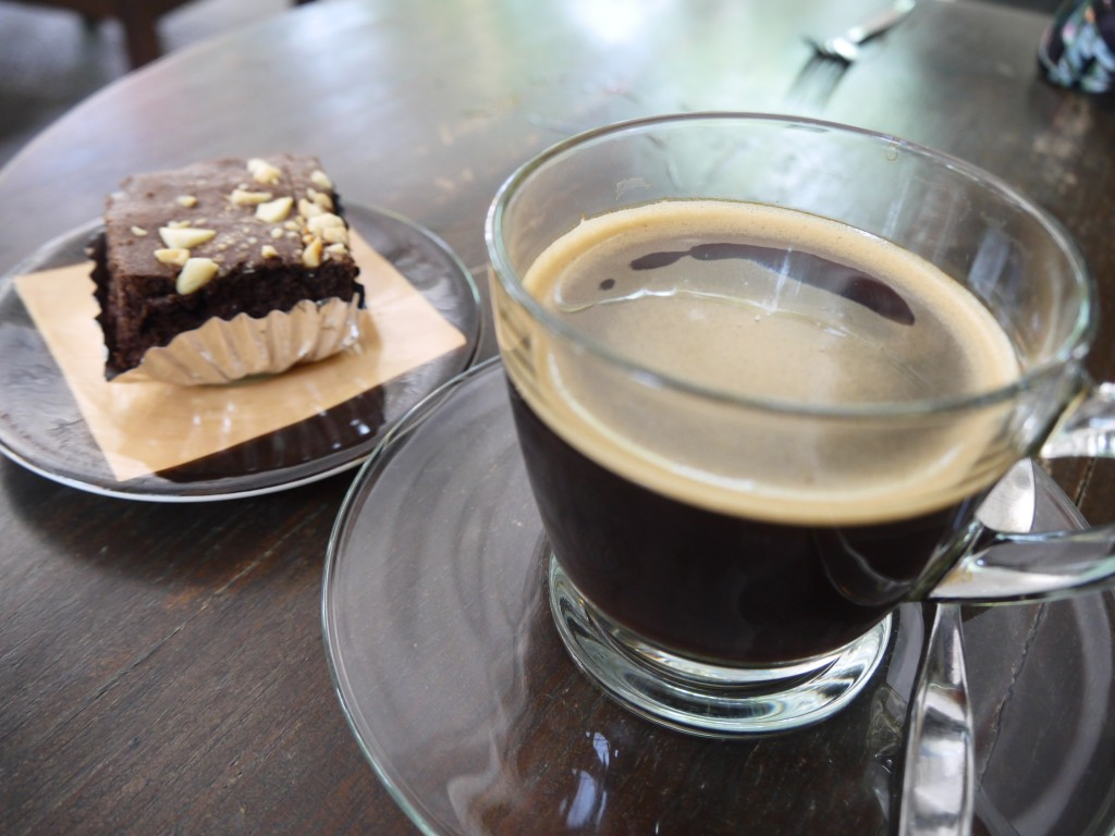 Americano and Brownie at Coffee Lovers, Chiang Mai