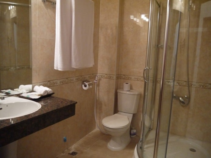 Modern Bathroom At Homefeel CS Hotel, Phnom Penh