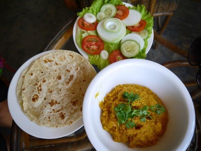 Vegan Dahl, Roti & Salad