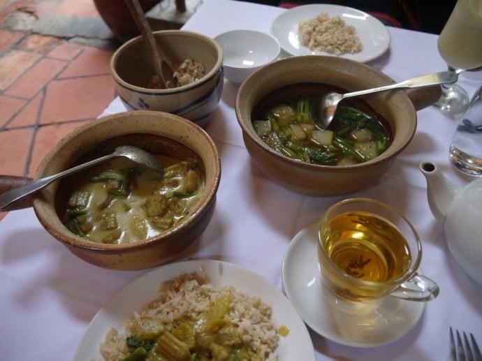 Stirring Curry & Sour Grilled Papaya Soup At Chamkar, Siem Reap