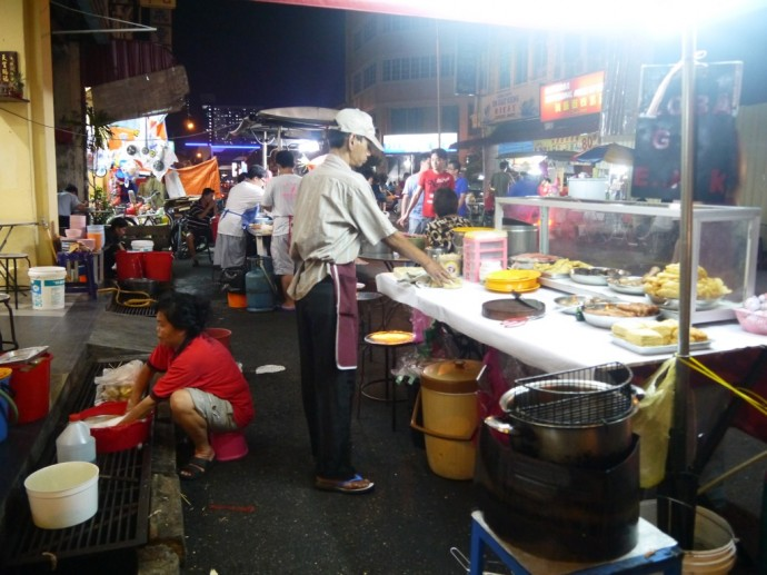 Street Food At Lebuh Kimberley Outside New Asia Heritage Hotel