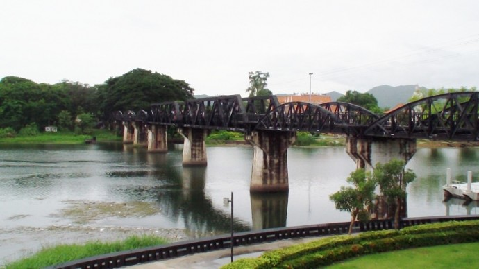 Get The Train From Thonburi Station For River Kwai Bridge