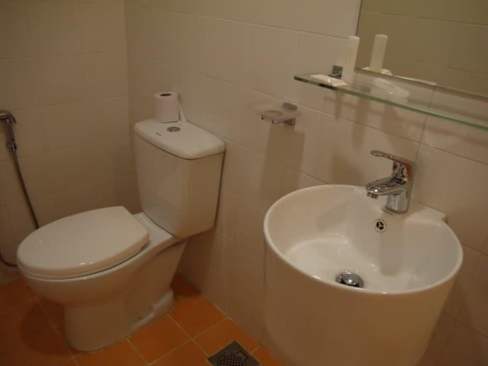 Bathroom At Citrus Hotel, Johor Bahru, Malaysia