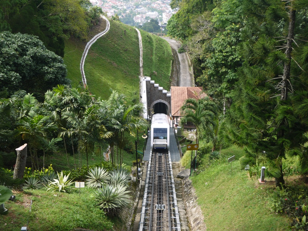 Penang Hill By Funicular Railway & Kek Lok Si Temple ...