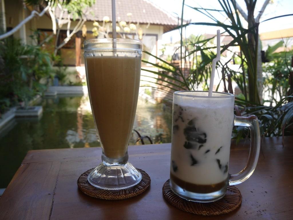 drinks-at-warung-ciung-wanara-1
