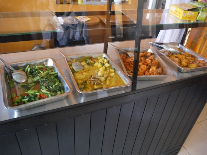 Buffet Options At Happy Laksmi