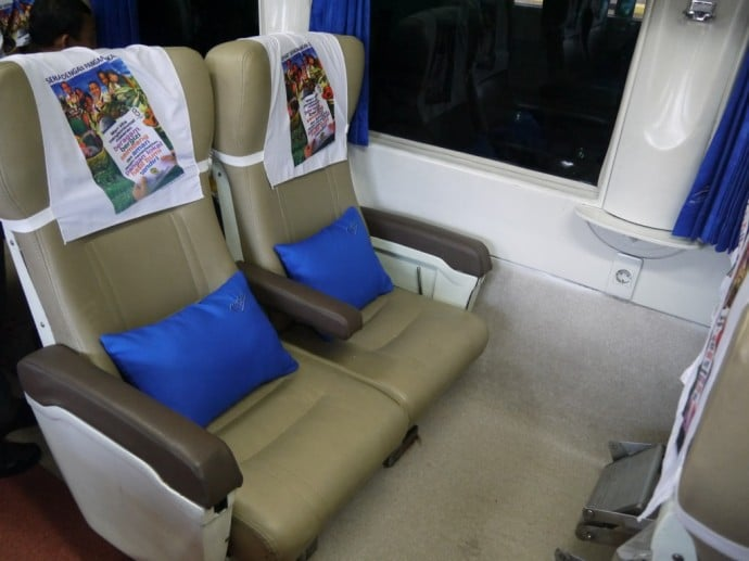 Eksekutif Class Seats On The Surabaya To Jakarta Train