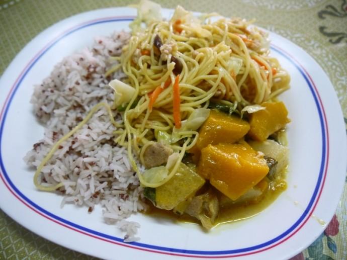 Lunch At Kuan Yin Vegetarian, Surin