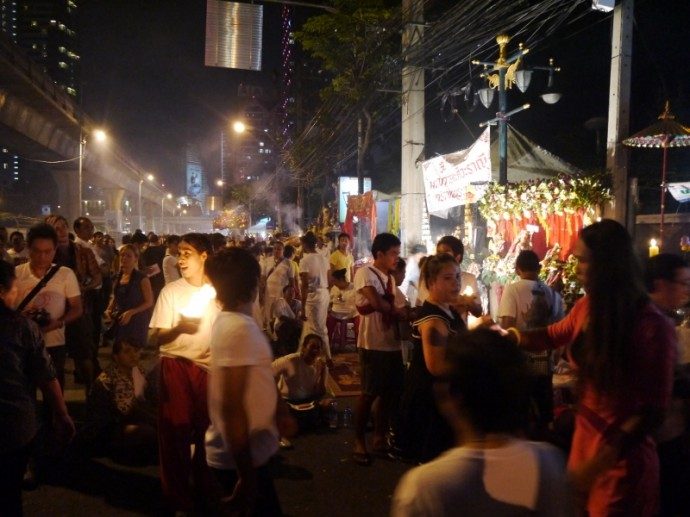 A Very Busy Navaratri Festival - Sathorn Road
