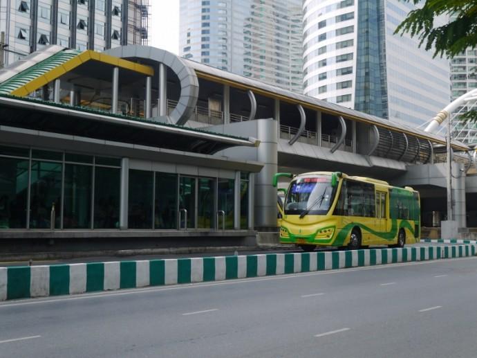 Bangkok's BRT Bus At Sathorn Station