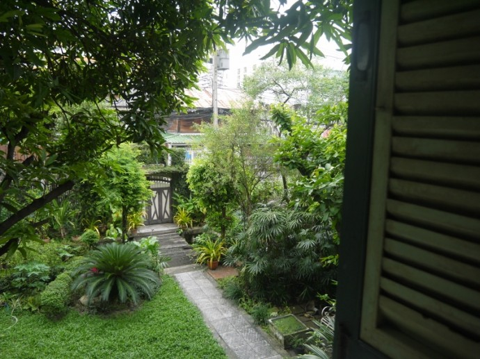 View Of Garden From Upstairs