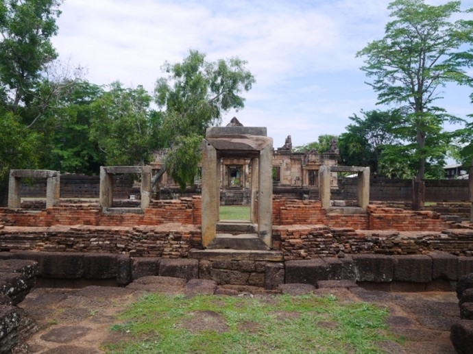 Muang Tam Archways
