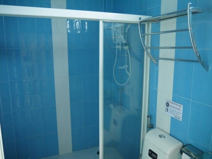 Separate Shower At BK Place Hotel, Bueng Kan