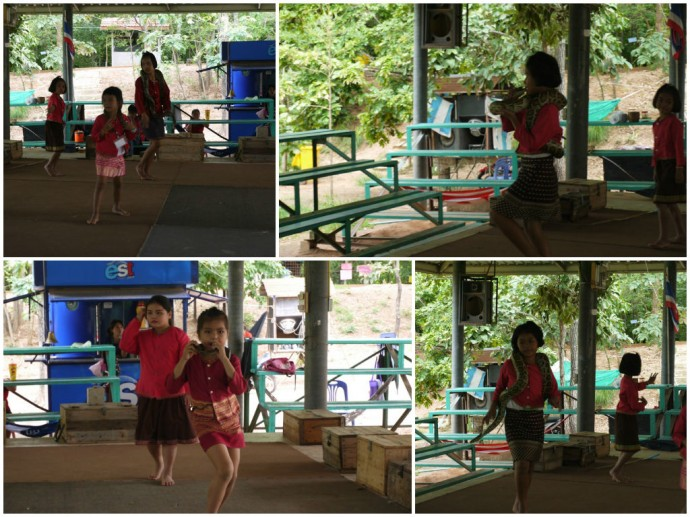 Young Thai Girls Dancing With Pythons