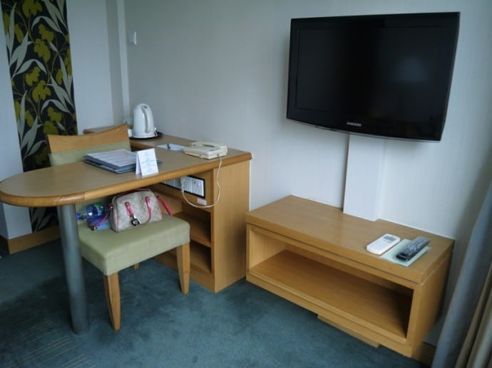 Desk At Bishop Lei International Hotel