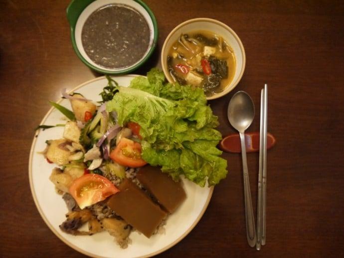 Vegetarian Buffet At Han Gwa Chae, Insadong, Seoul