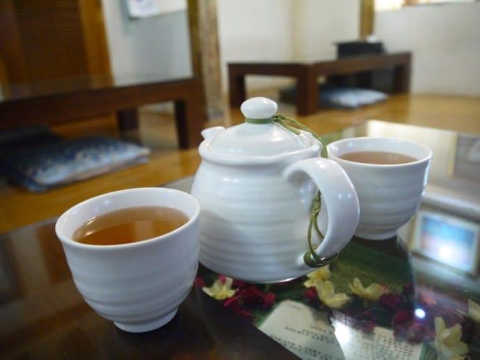 Free Tea At Oh Se Gae Hyang Vegetarian Restaurant In Insadong, Seoul