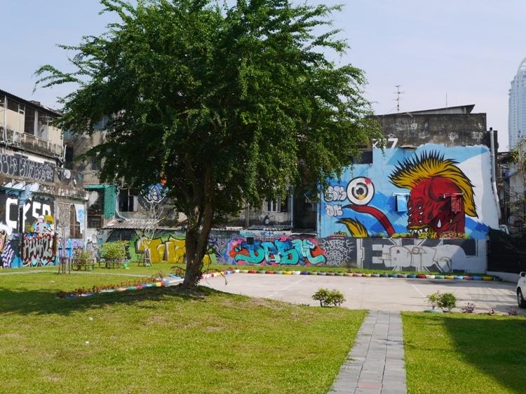 Ratchathewi Street Art, Bangkok