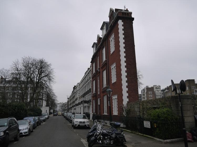 London's Thinnest House