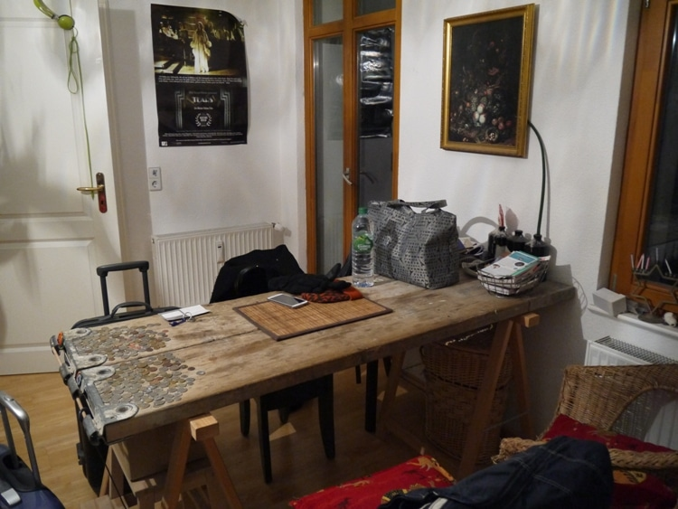 Airbnb apartment with cats mitte berlin renegade travels for Airbnb apartments