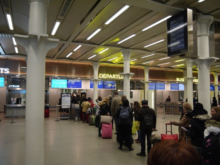 Departure Queues For Eurostar At St Pancras