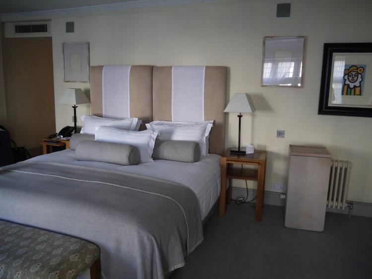 Super-Comfy & Large Bed At Old Bank Hotel, Oxford