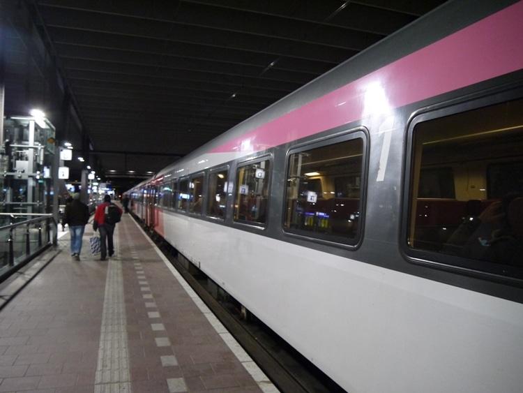 Rotterdam To Amsterdam Train