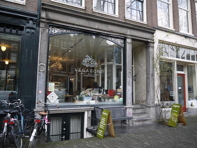 Vegabond, Amsterdam