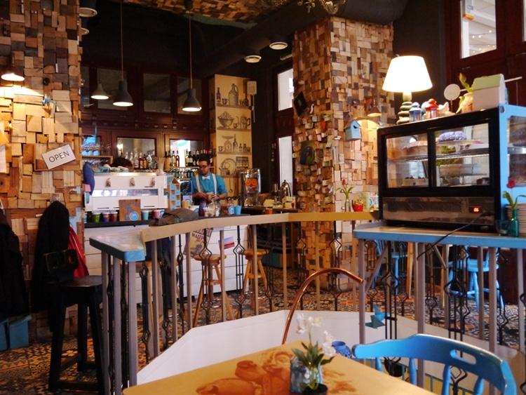 Bluebird Cafe, Budapest