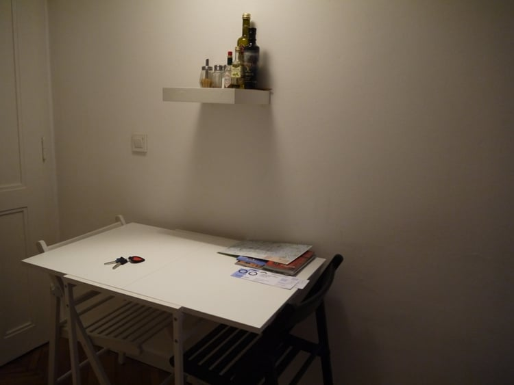 Table & Chairs At Zagreb Center Apartments