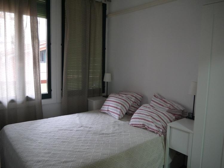 Bedroom At Apartment Las Corralas de Servet, Madrid