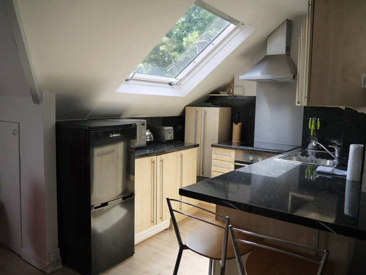 2-Bed Apartment, Earls Court, London