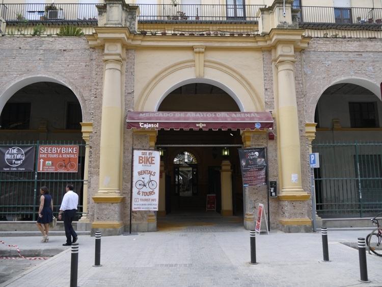 Mercado del Arenal (Arenal Market), Calle Pastor y Landero