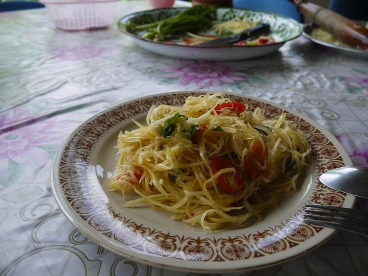 Som Tum (Green Papaya Salad)