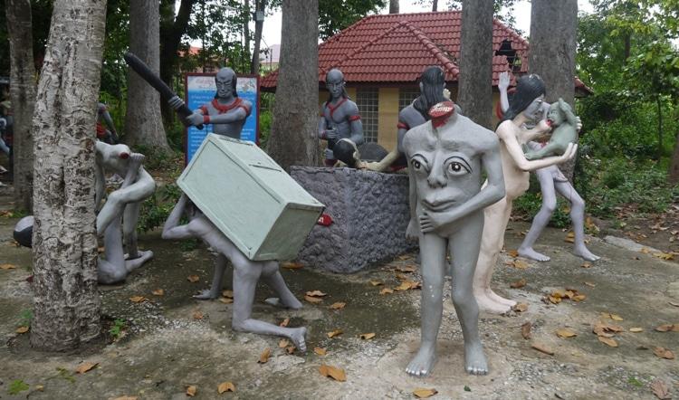 More Bizarre Figures At Wat Kai, Ayutthaya
