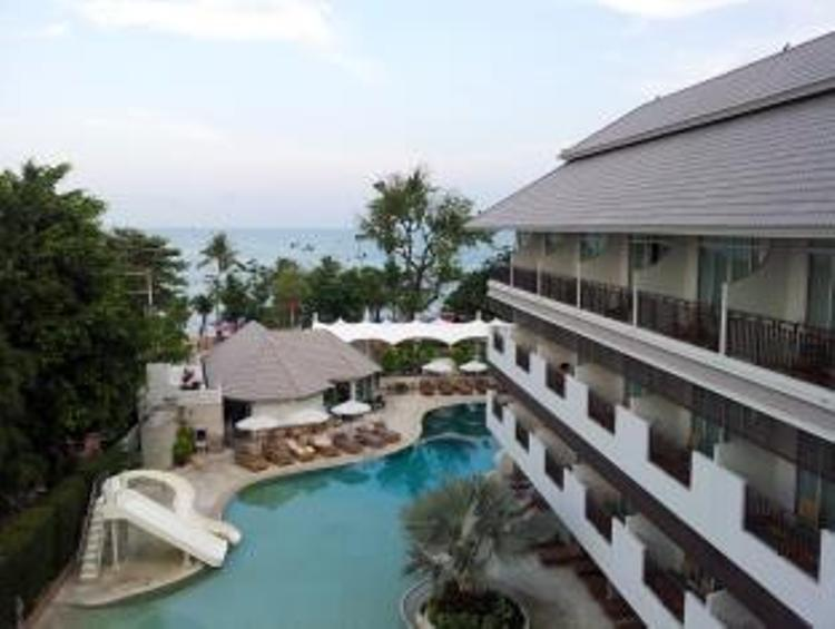 Pool At Pattaya Discovery Beach Hotel