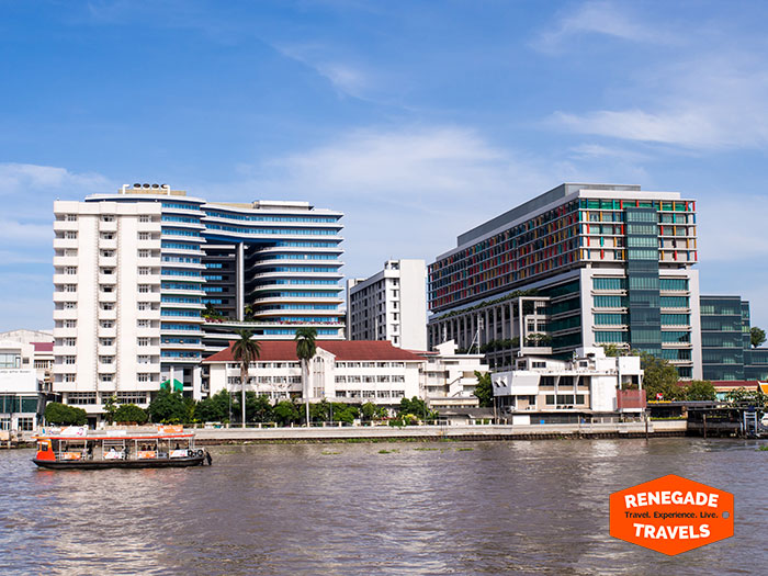 Bangkokg's Siriraj Hospital on the Chao Phraya River